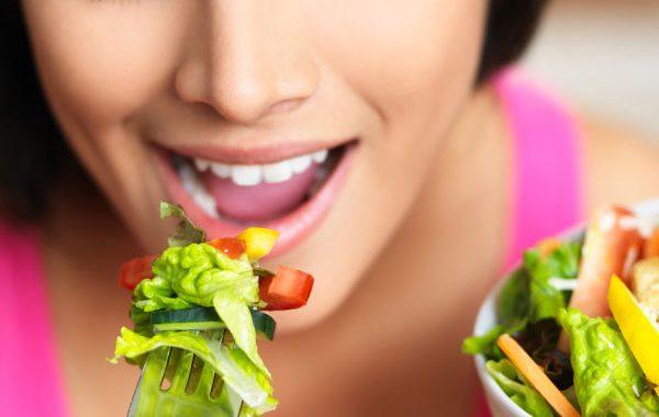 Aşırı yeme isteğiyle nasıl başa çıkılır?