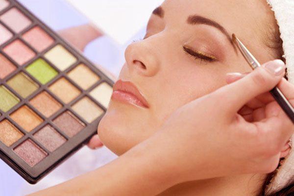 Güzelliğiniz için etkili makyaj sırları
